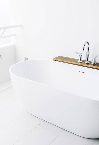 Clean white and modern bathroom